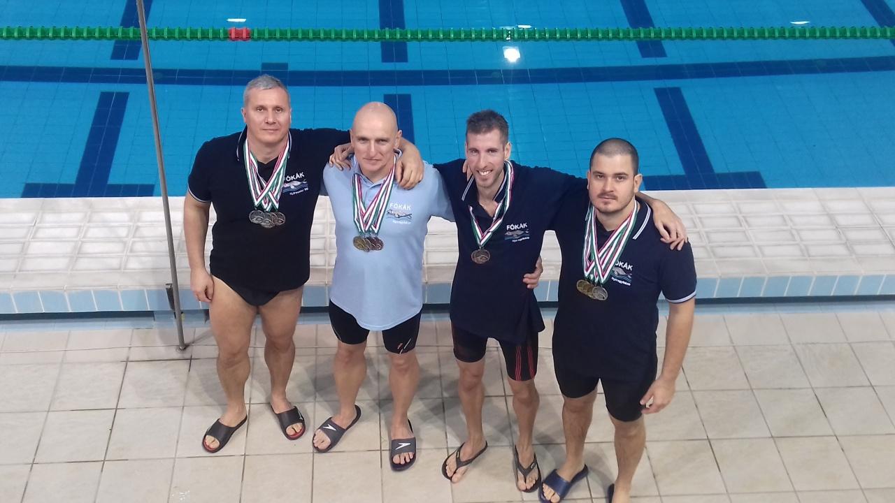 Aranyakat úsztak a nyíregyháziak - jól szerepeltek a bajnokságban a szenior úszók