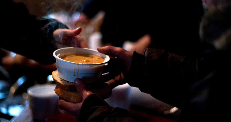 Az adventi vasárnapokon több száz adag étellel várják a rászorulókat Nyíregyházán