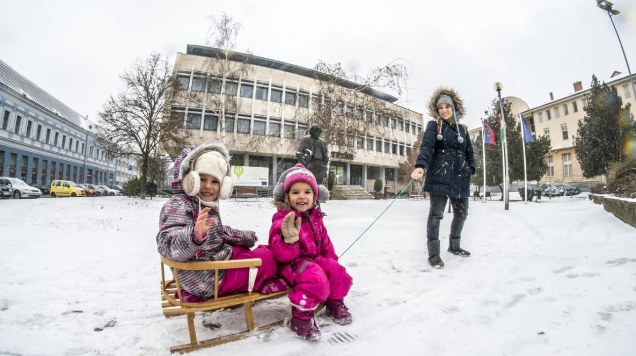 Helló tél! – Érdemes sétálni egy jót Nyíregyháza hófedte belvárosában