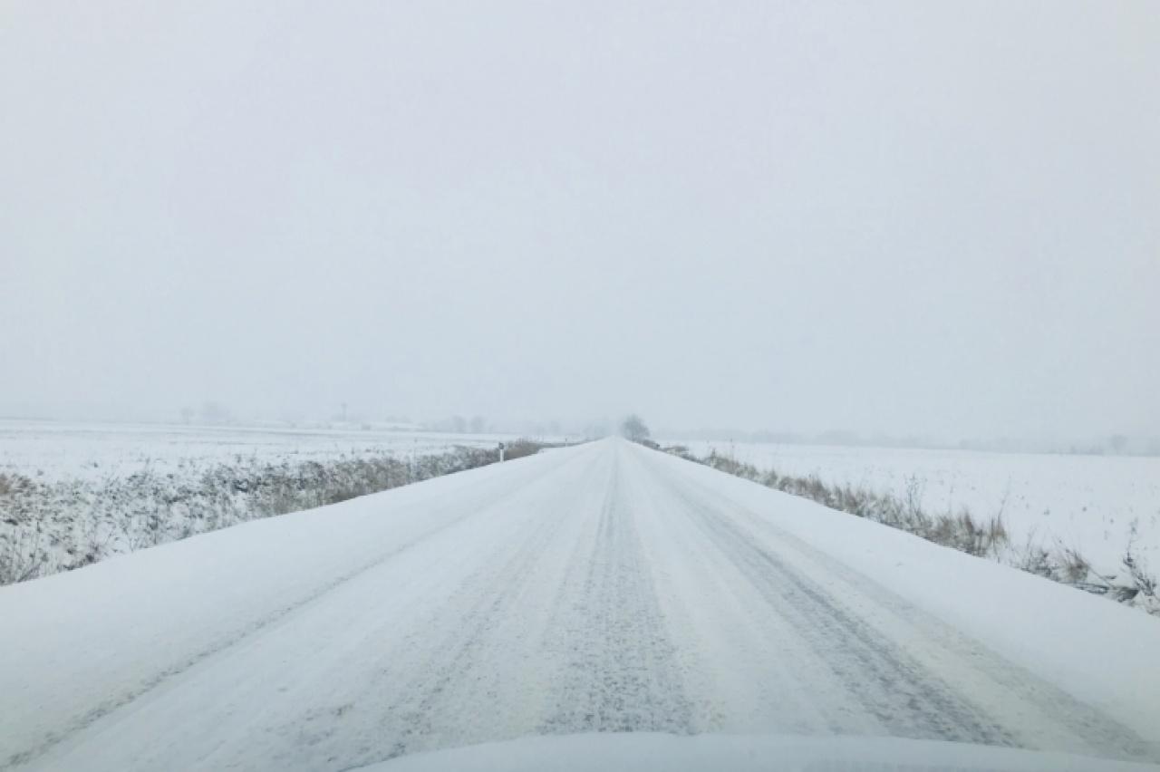 Még nincs vége! Hózápor és hófúvás jöhet, körültekintően az utakon!