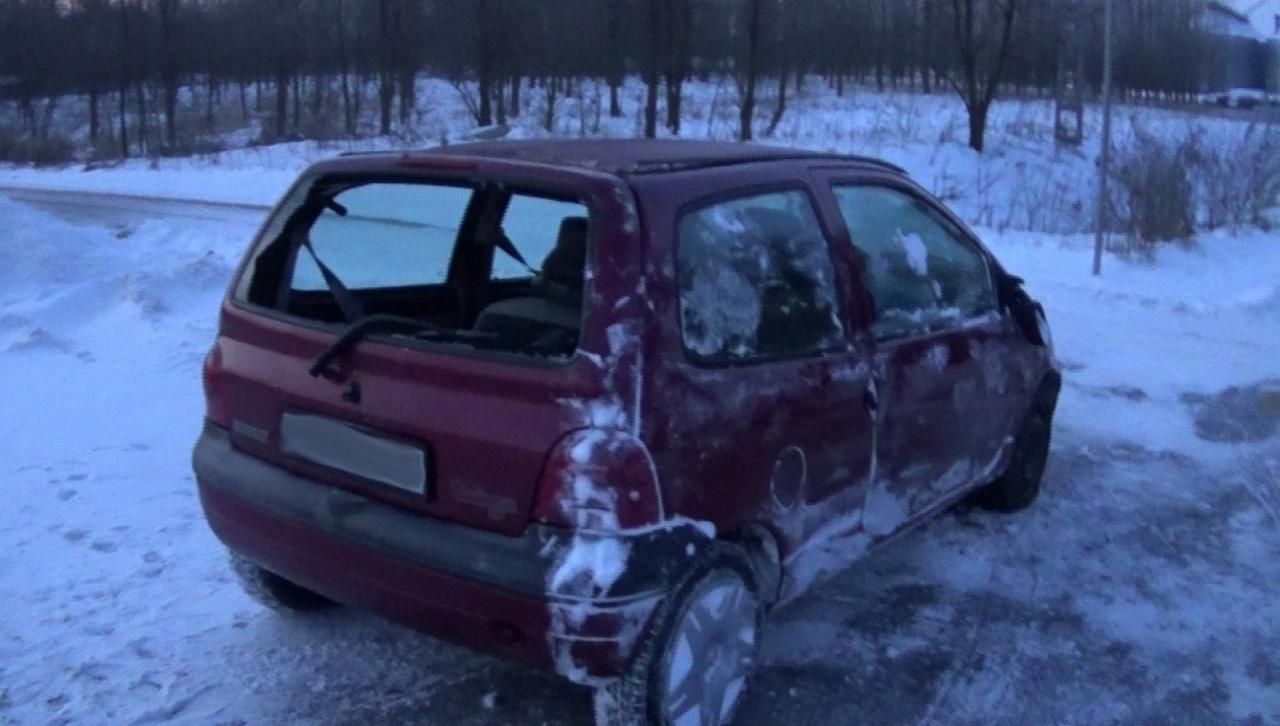 Balesetet okozott a hóátfúvás – Megcsúszott és árokba sodródott egy jármű Nyírteleknél