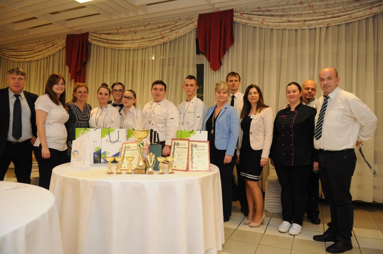 Látványos sütés-főzés-felszolgálás, a Schnitta verseny legjobb pillanatai