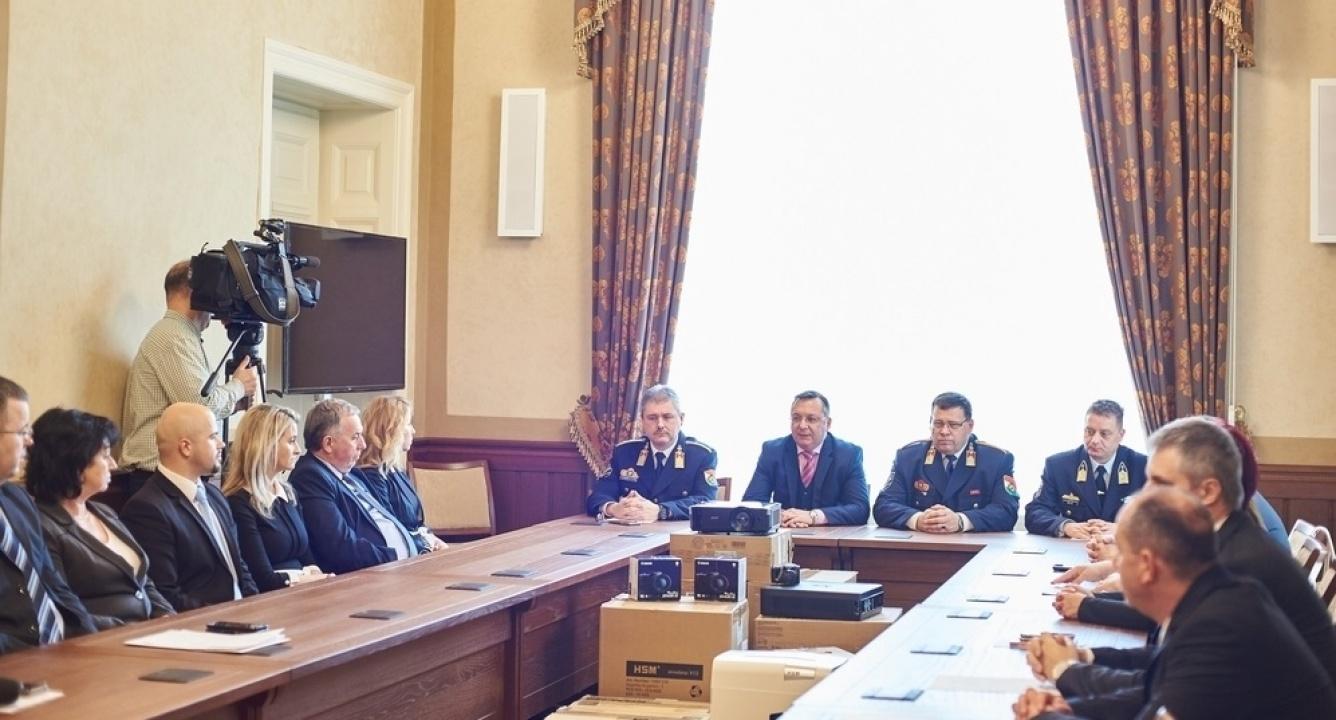 Újabb eszközöket kaptak a Járási Hivatalok, mint a Helyi Védelmi Bizottságok működtetői