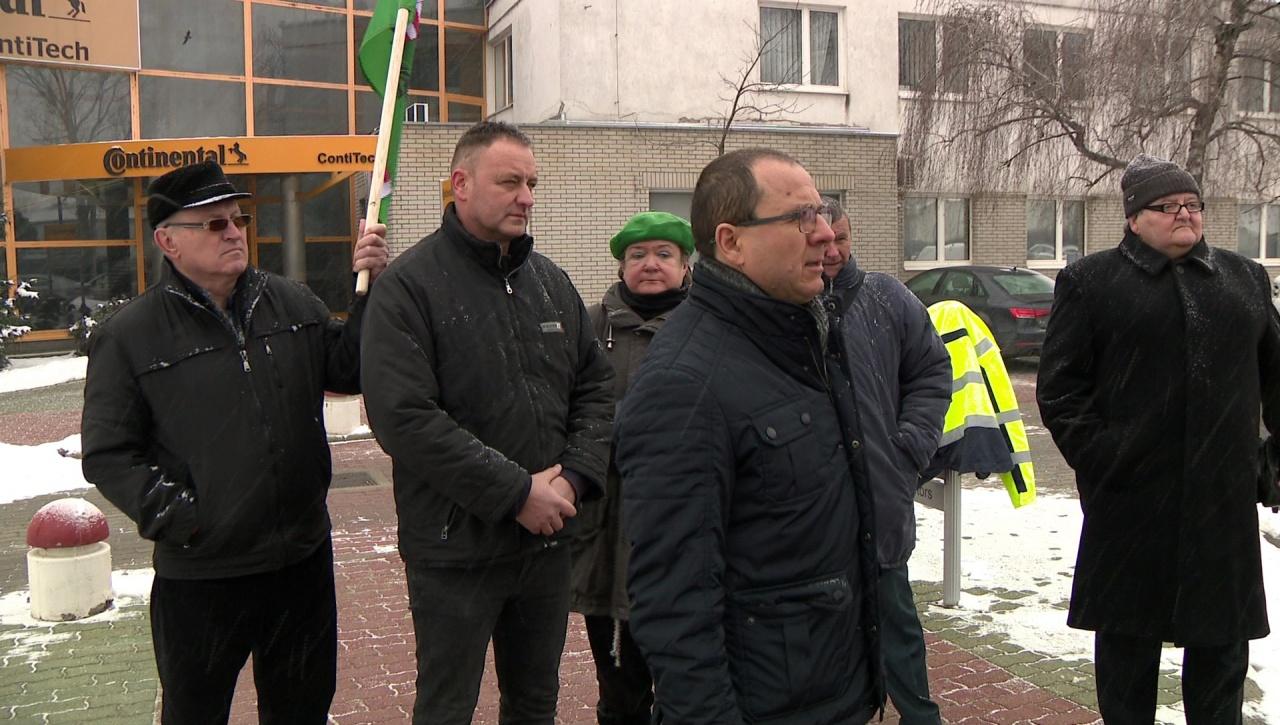 Demonstráció Nyíregyházán – A túlóratörvény ellen szóltak, megállapodás született!