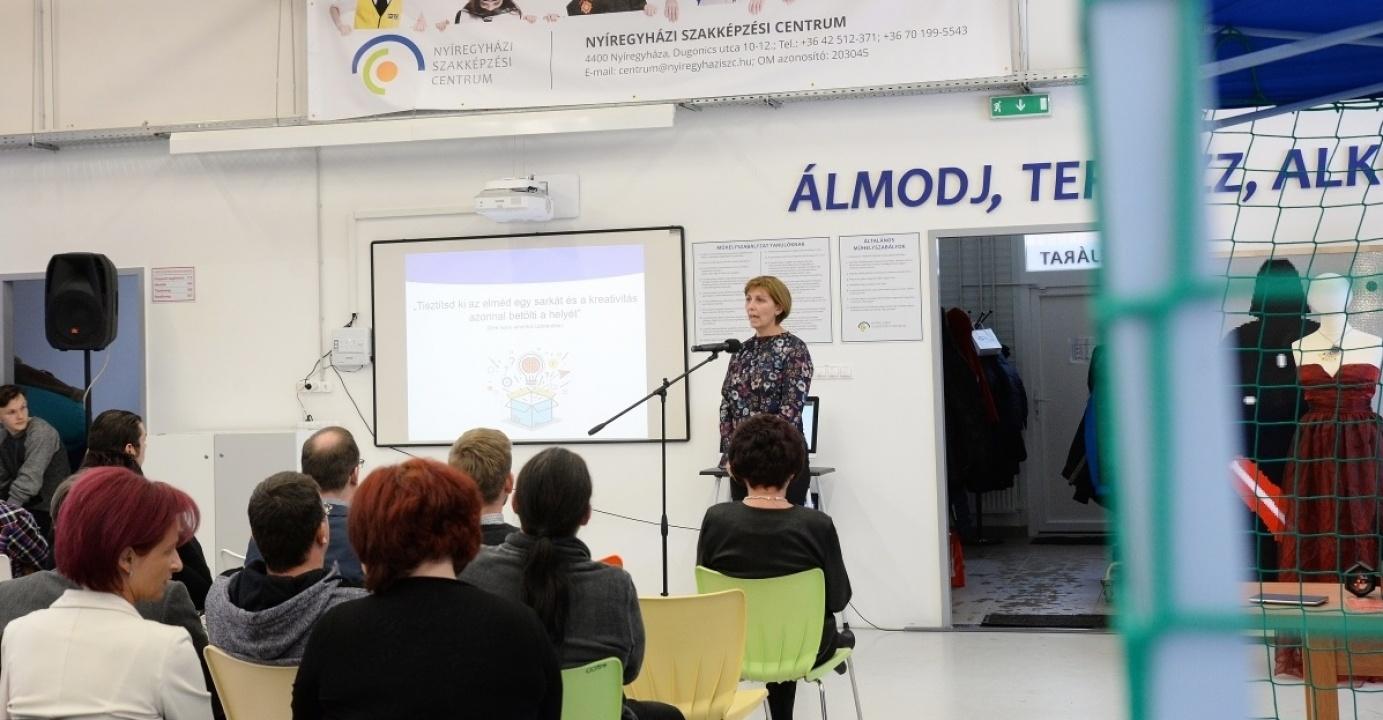 A Szakképzési Centrum Digitális Alkotóműhelye kreatív diákokat és családokat is fogad