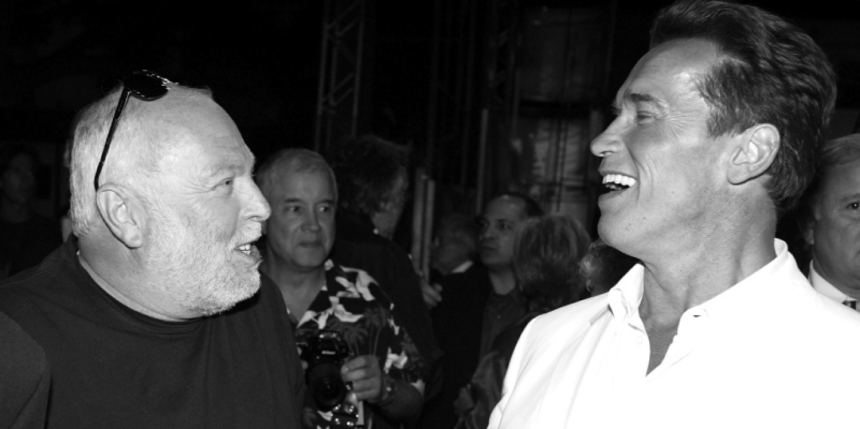 Schwarzenegger beszédet mond Andy Vajna temetésén