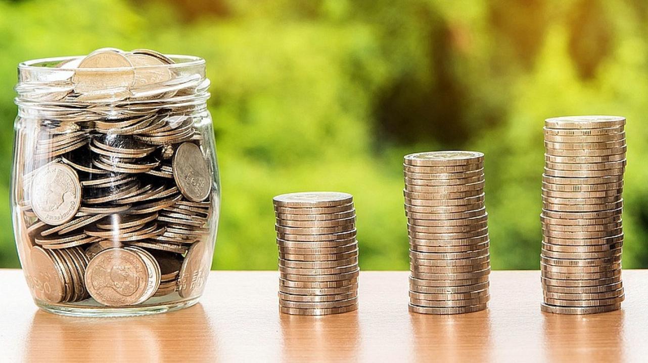 Jó hír a nyugdíjra készülőknek - Soha nem látott összeget utalhat vissza az adóhatóság