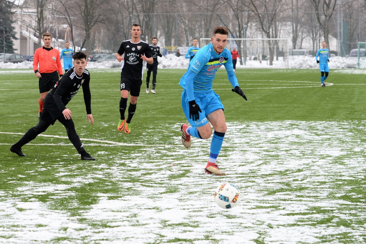 Elindult a tavaszi idény - fordulatos, gólgazdag meccsel kezdett a Szpari