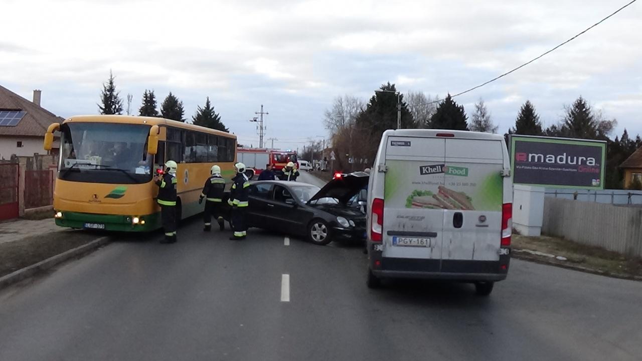 Rosszul lett vezetés közben egy férfi, balesetet okozott a Kállói úton