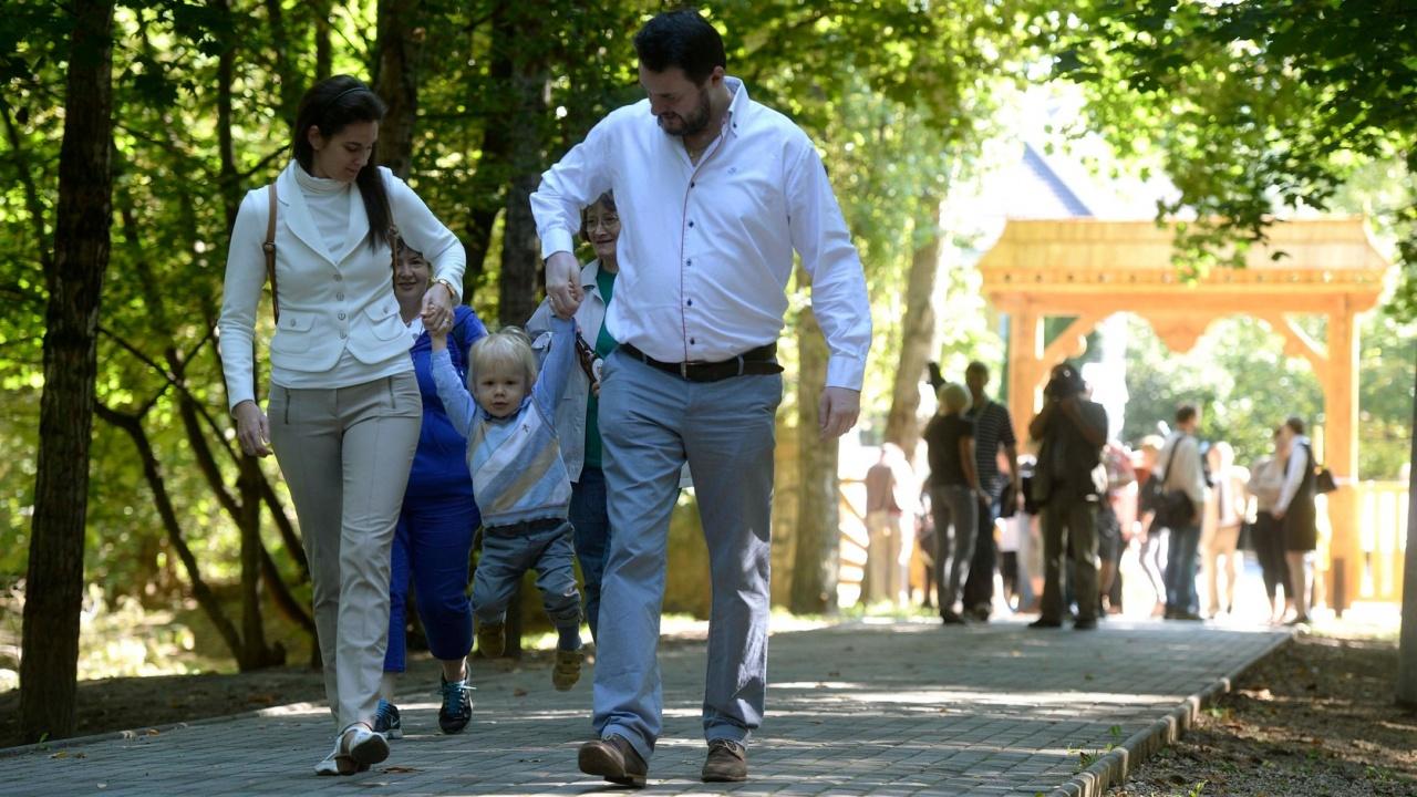 Kilenc év alatt több mint kétezer milliárd forint a családoknak