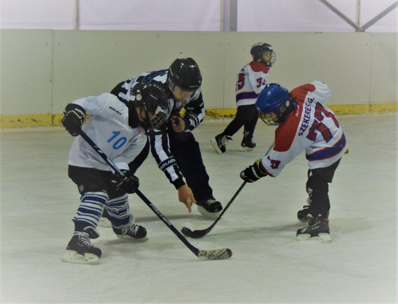 Jégkorong meccsek Nyíregyházán - több tornát is rendeznek a megyeszékhelyen