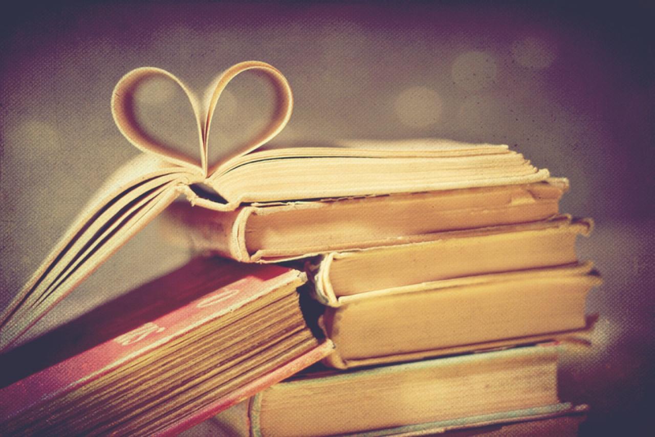 Vakrandizz egy könyvvel! – Valentin nap a nyíregyházi könyvtárban