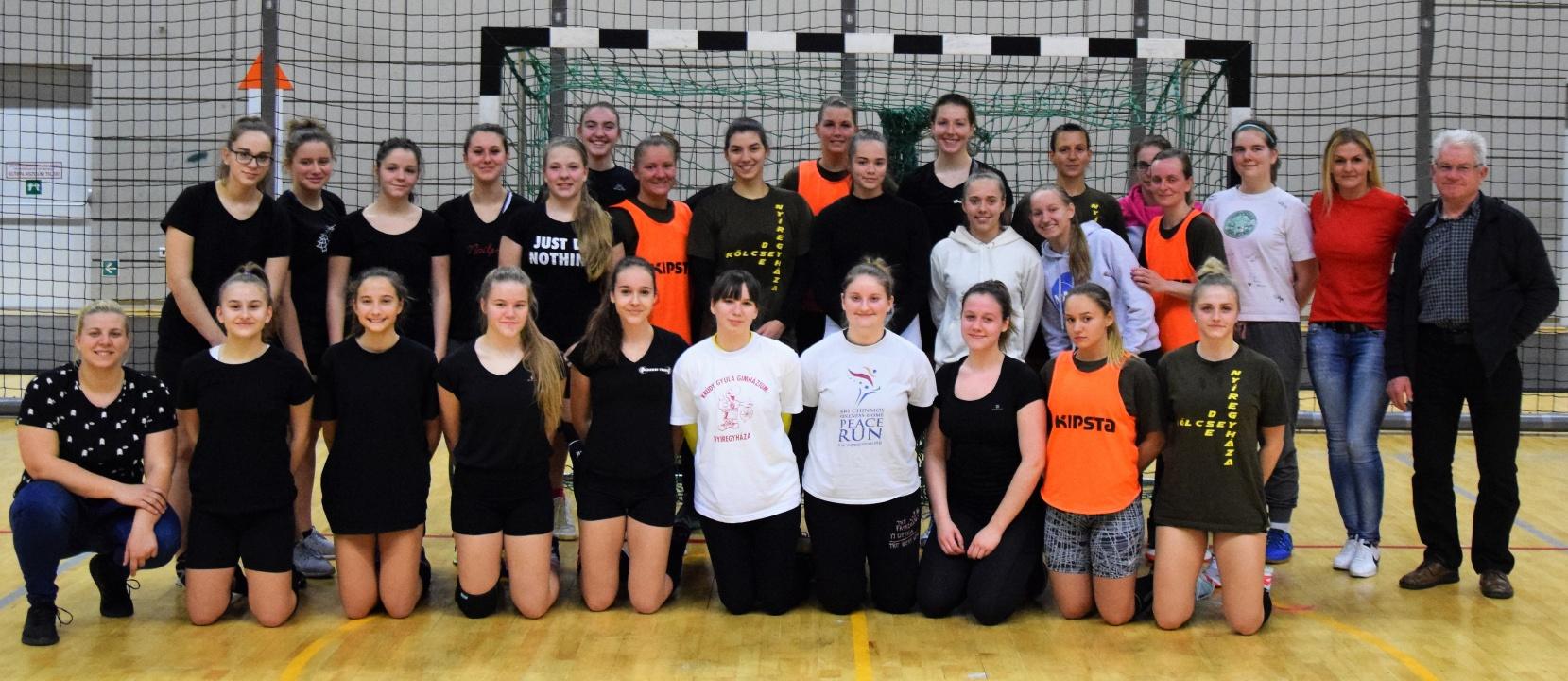 Barátságos mérkőzés - a Sportcentrum ellen játszott a Kölcsey kézilabda együttese