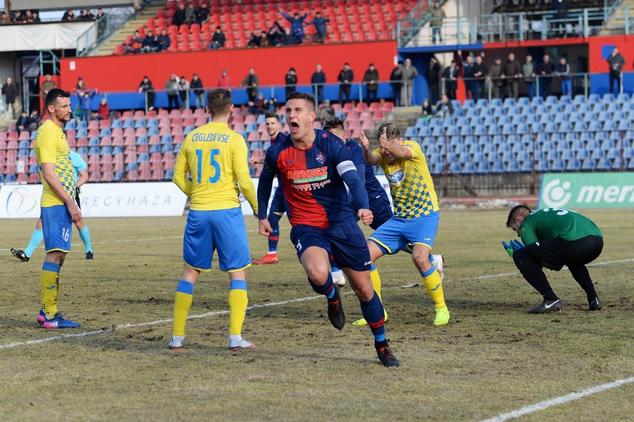 Négy gólt lőtt a Szpari - legyőzte a Ceglédet a Nyíregyháza