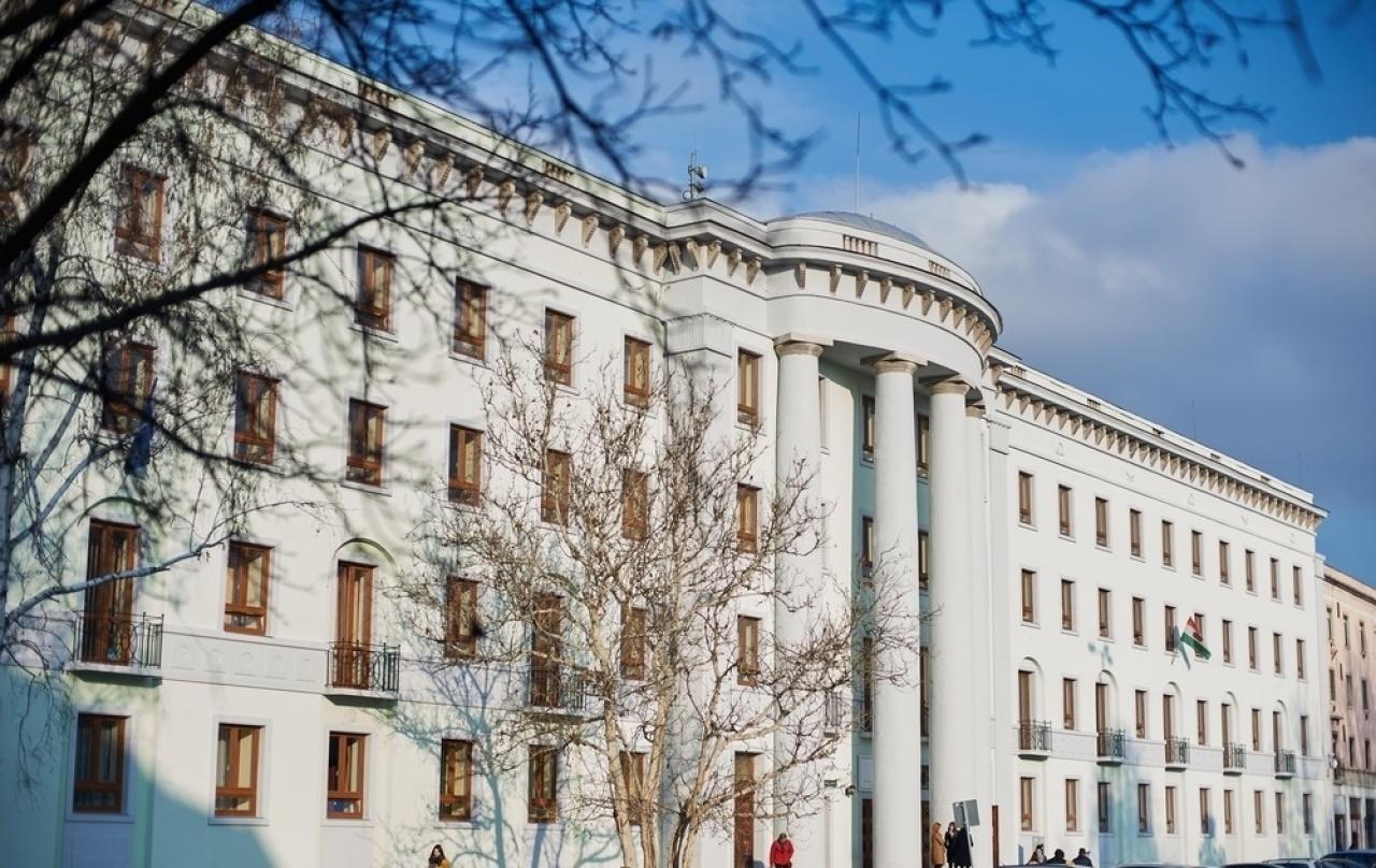 Ez történt Nyíregyházán – Átadták a Zöld Irodaházat, nyárra kész a négy csillagos hotel
