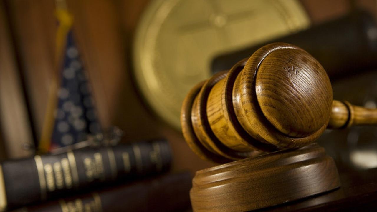 Két pofonnal intézte el a közlekedési vitát a vádlott