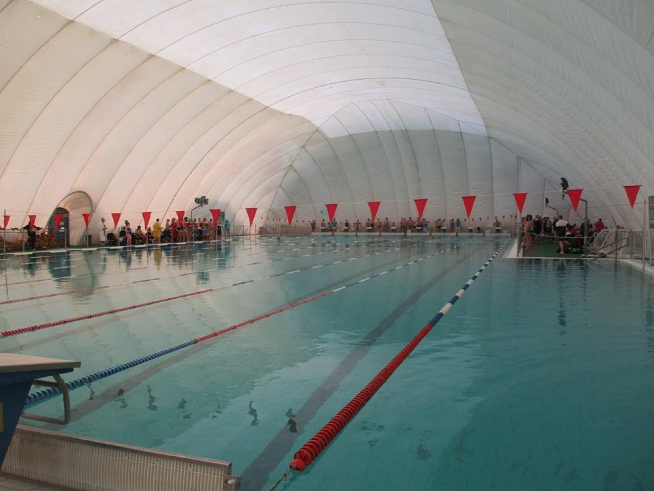 Szenior úszóverseny - rangos mezőny vett részt a nemzetközi viadalon