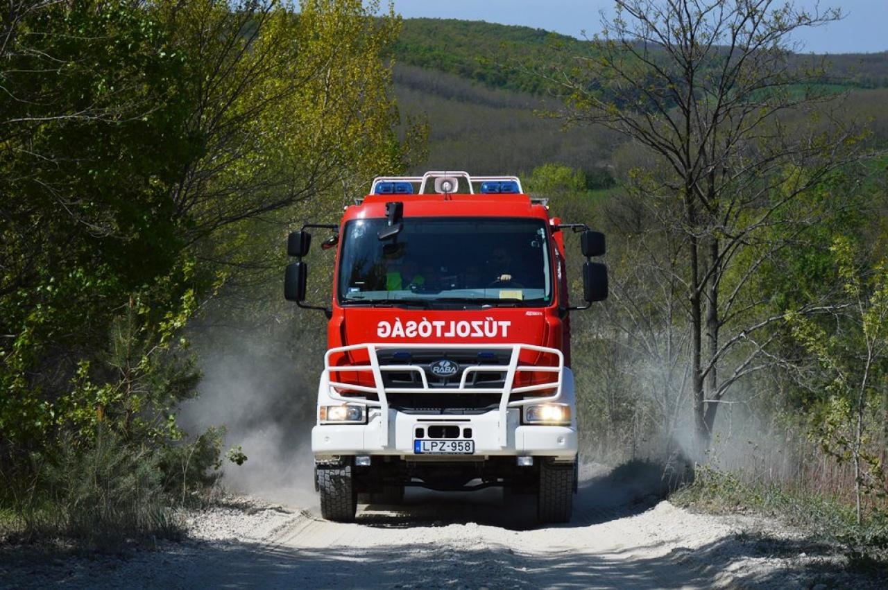 Kemecsén és Nagyhalászban is tűzesetekhez riasztották a katasztrófavédőket