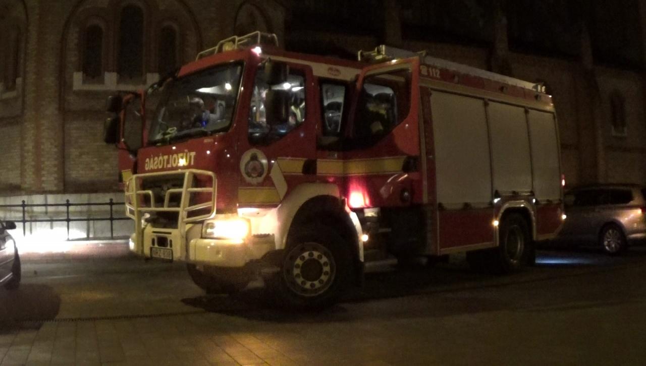 Tűzoltási gyakorlatot tartottak a Móricz Zsigmond Megyei és Városi Könyvtárban
