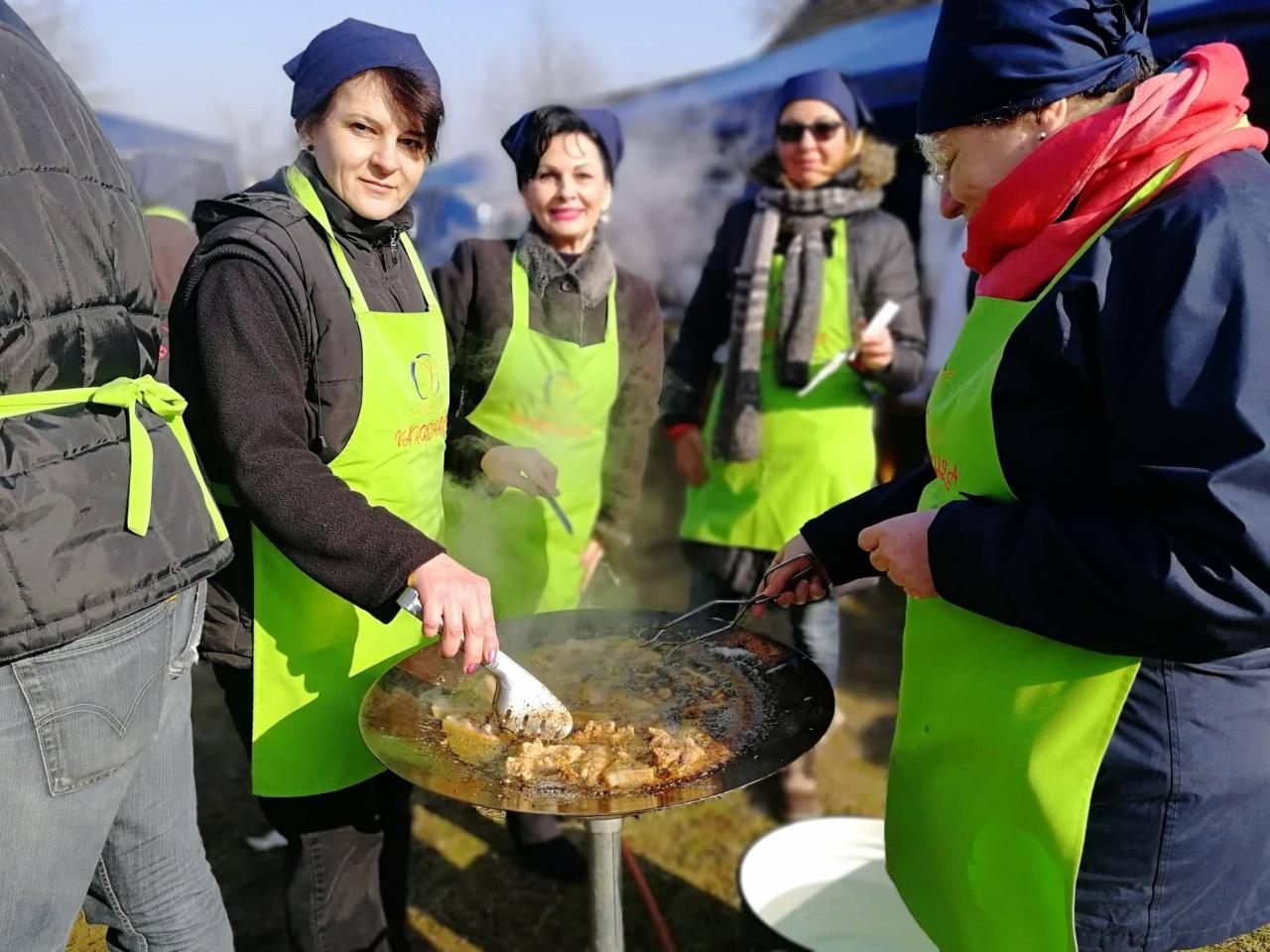 Ínycsiklandó ételeket készít a városházi csapat - Náluk is érdemes kóstolni!
