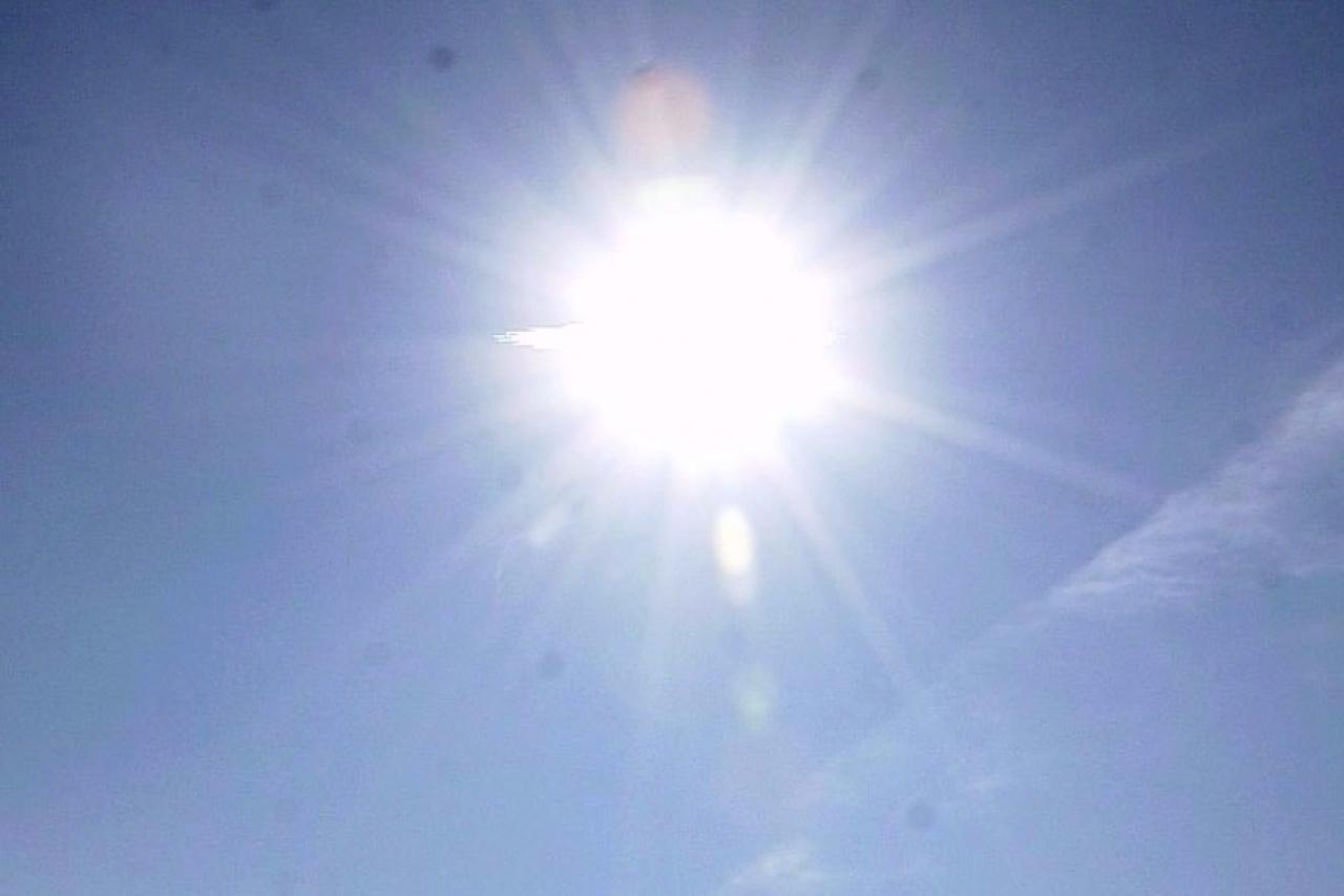 Marad a száraz idő hétfőn is, néhol akár 14 fokot is mérhetnek