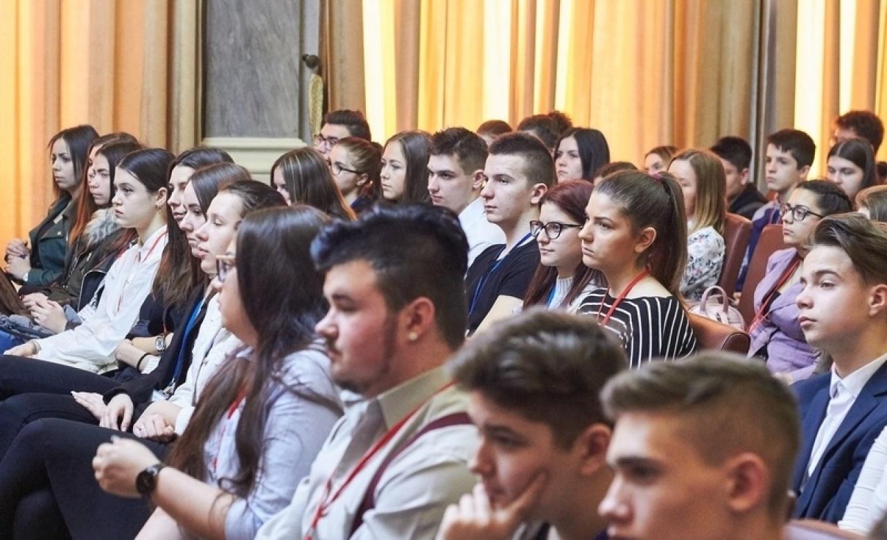 A diákönkormányzat fordított napja is szerepelt a Diákparlament ajánlatai között