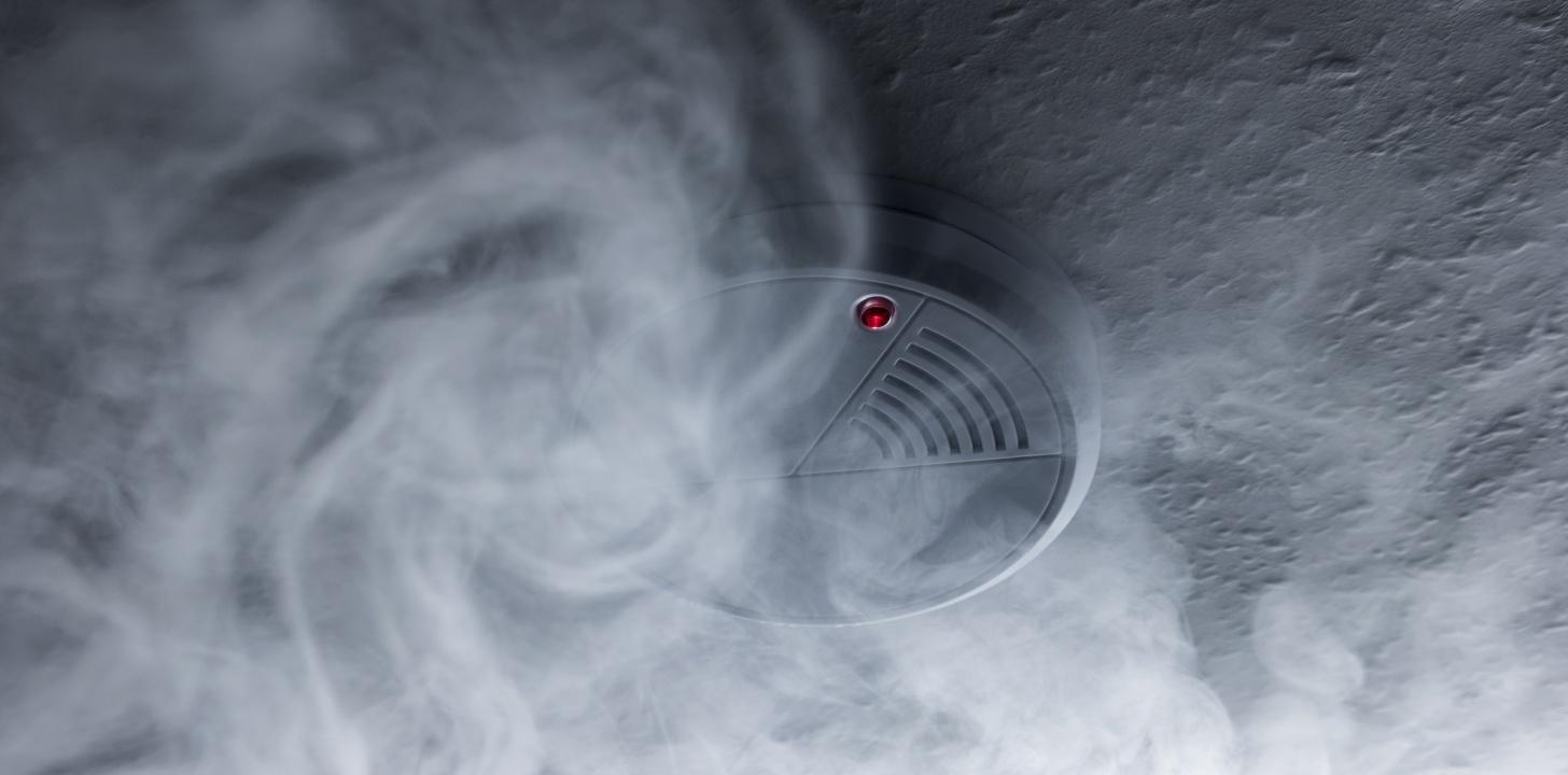 Majdnem lecsapott a szén-monoxid! Három személyt szállítottak kórházba a Bocskai utcáról