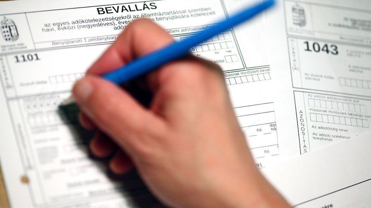 Nem kér igazolást az adóbevalláshoz a NAV