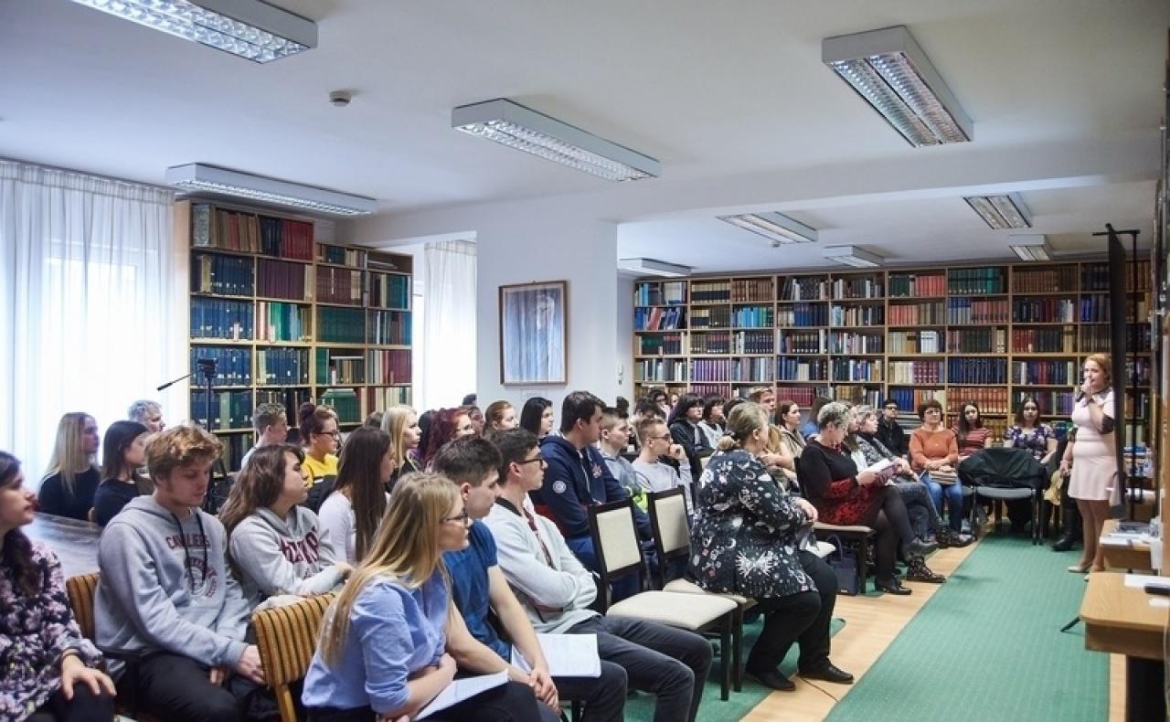 Könyv- és kutatásbemutató is volt a Kutatódiákok Társadalomtudományi Konferenciáján