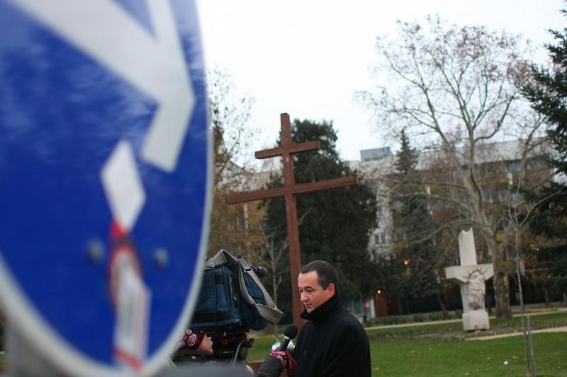 Adventi keresztet állított a Jobbik