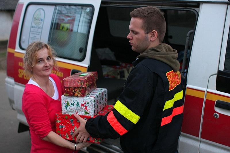 Cipősdoboz adományok érkeztek Butykára