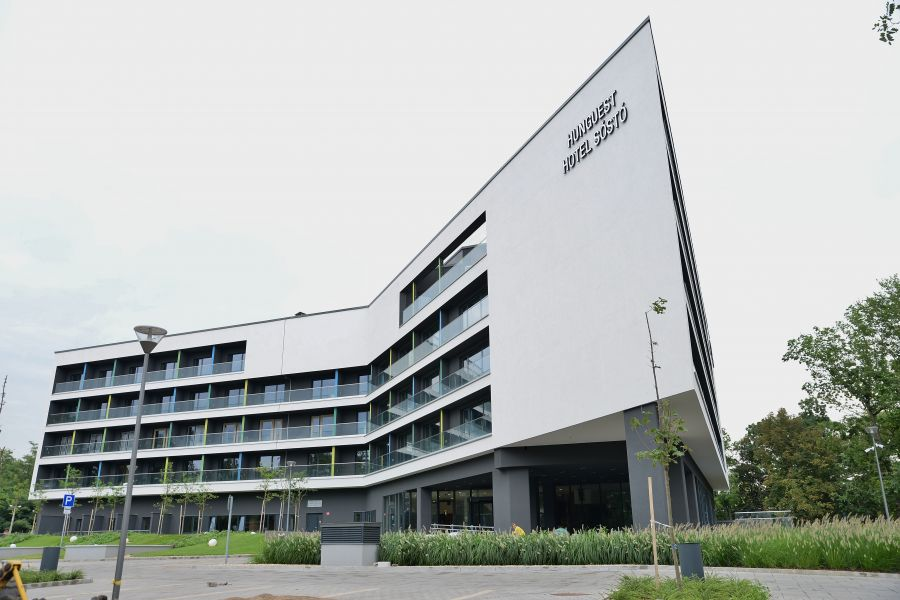 A beüzemelési időszak következik a négycsillagos sóstói szállodánál