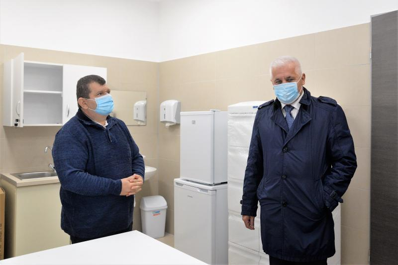 A felújított Fenyő utcai orvosi rendelő bejárása