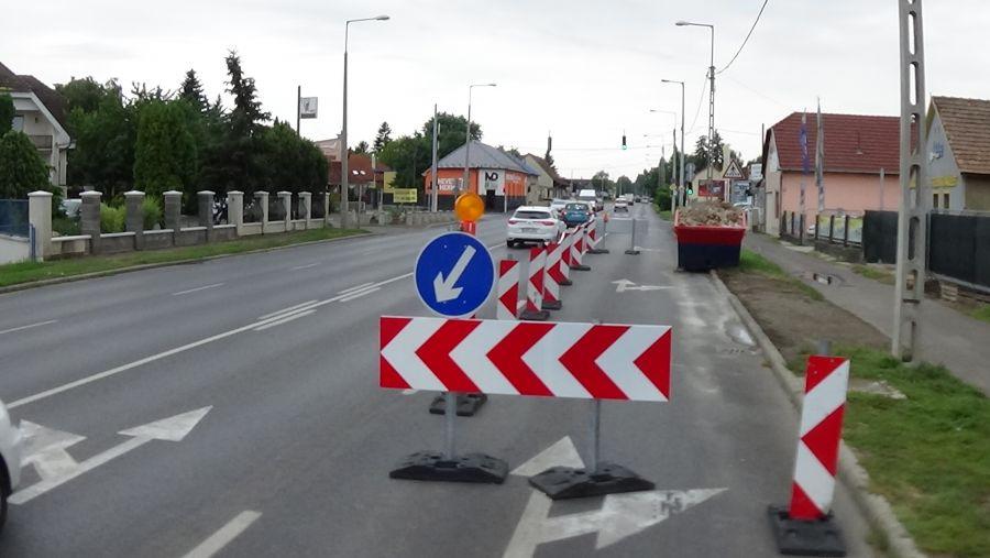A Pazonyi út bevezető szakaszán lezárták a külső sáv egy részét