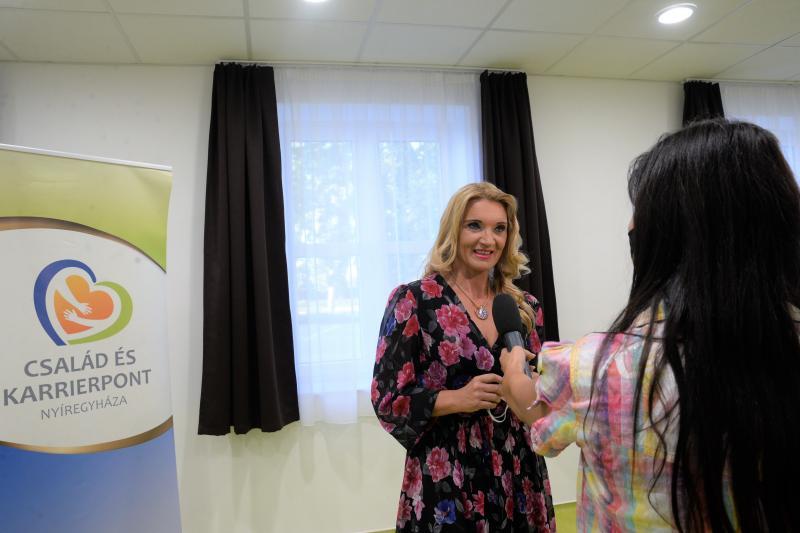 Anyu a kötéltáncos - előadás a Család és KarrierPONT szervezésében (2)