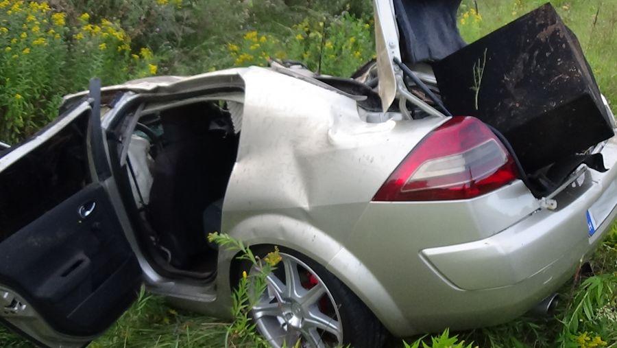 Árokba borult egy jármű a 403-as elkerülőn