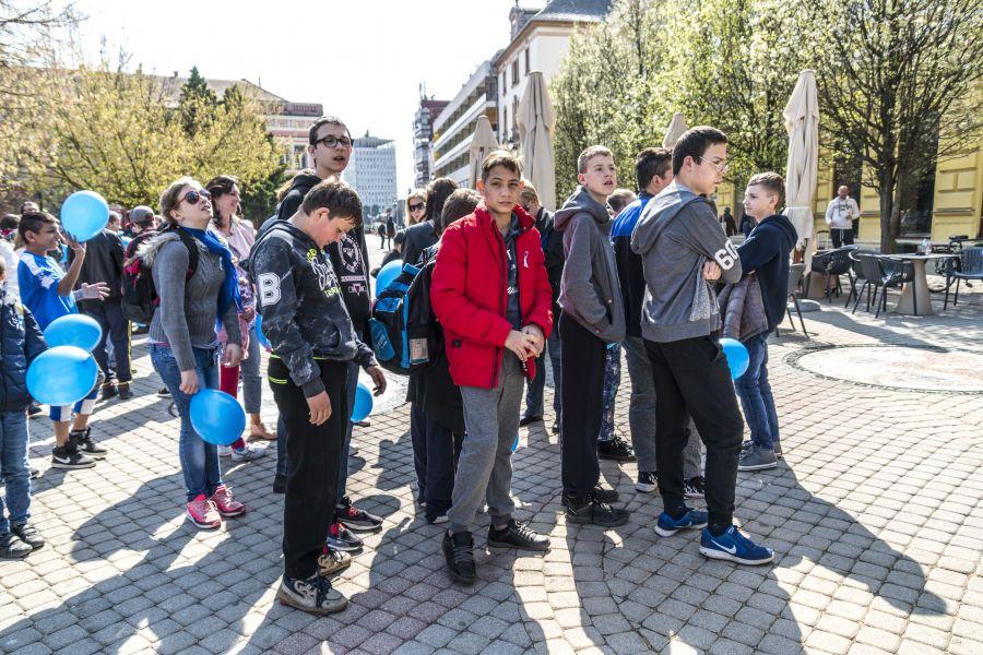 Autizmus Világnapja a Kossuth téren