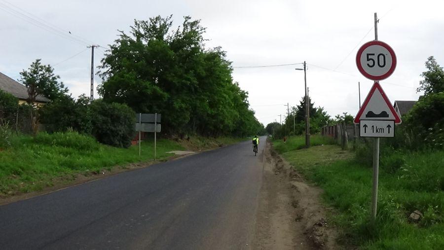 Autóbusz gázolt kerékpárost Butykasoron