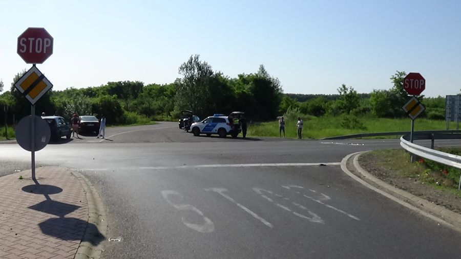Baleset történt a 403-as elkerülő és a 4-es számú főút kereszteződésénél