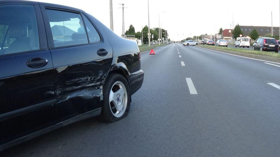 Baleset történt csütörtök délután az Orosi úton