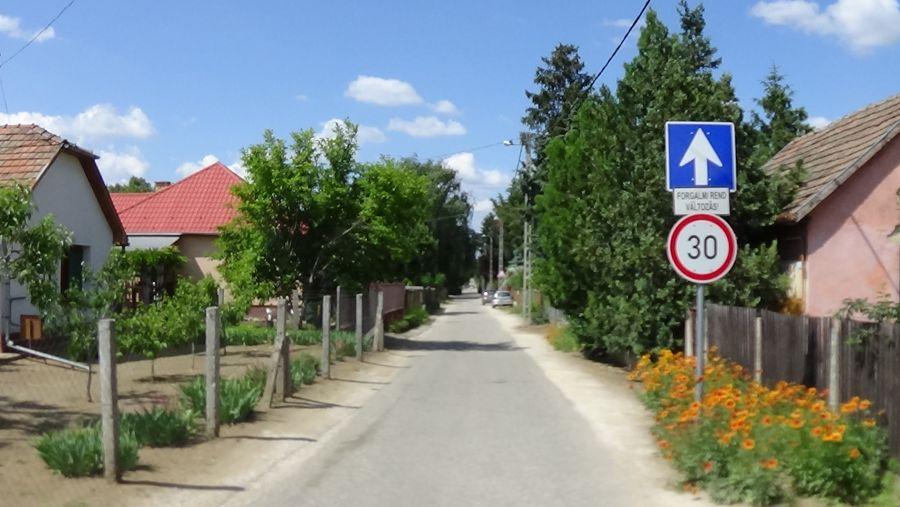 Egyirányúsították a Tábor utcát a Palánta utca felől, a Tünde utca irányába