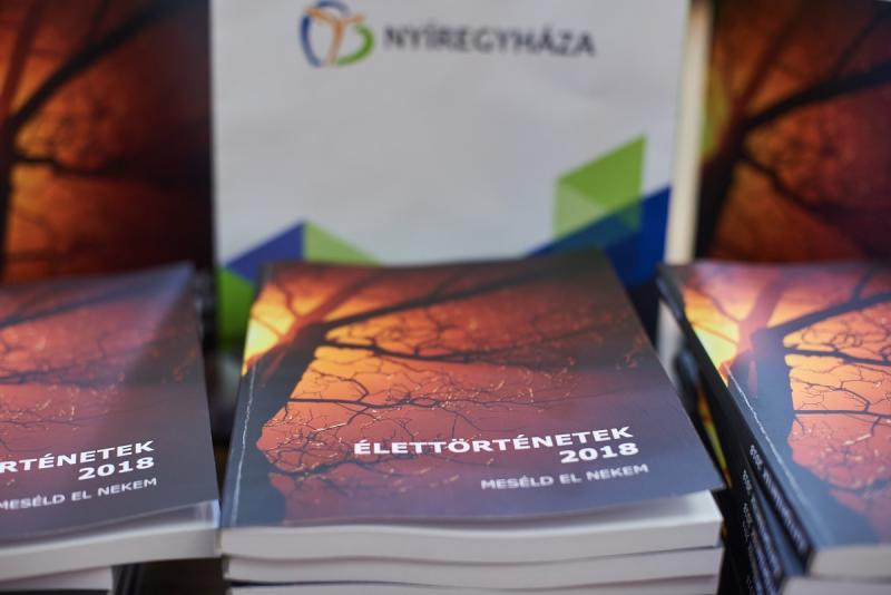 Élettörténetek - könyv átadó