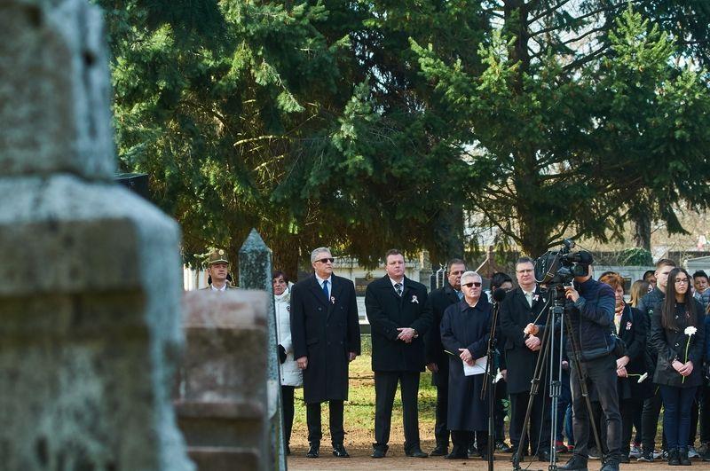 Emlékező koszorúzás az Északi temetőben