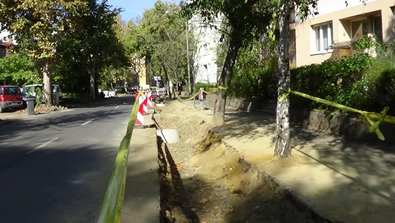 Felújítási munkálatok a Szarvas utcán