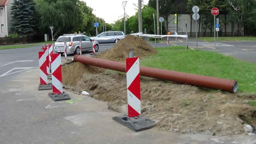 Felújítási munkálatok zajlanak a Korányi Frigyes utcán