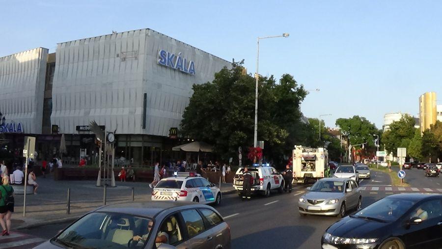 Füstszivárgás egy belvárosi bevásárlóközpontban