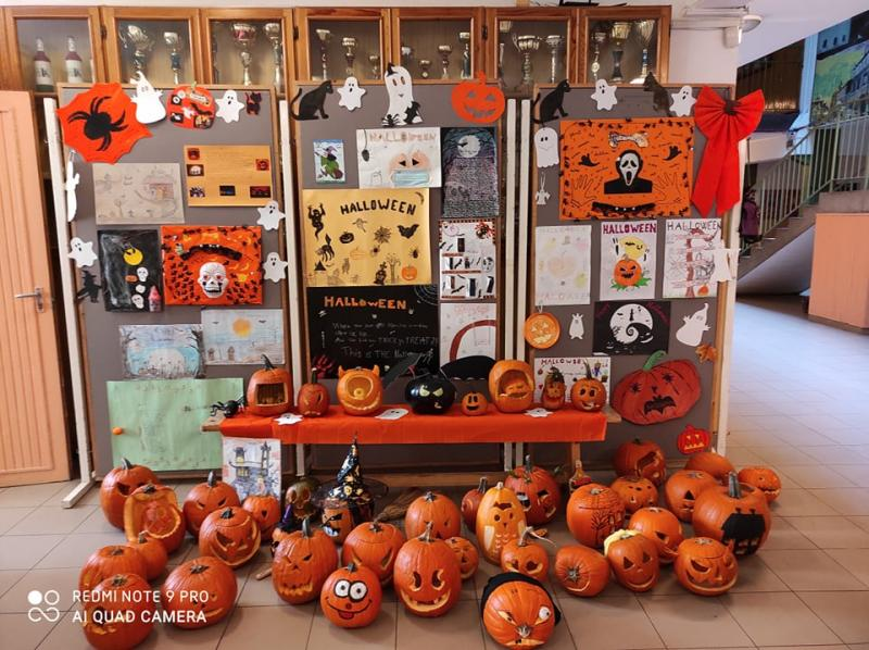 Halloween-re hANGOLódtak a Bem-es diákok