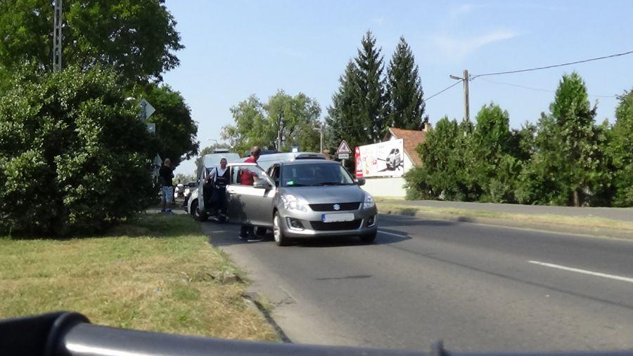 Hármas karambol történt a Rákóczi utcán