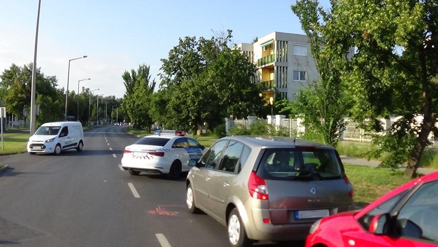 Helyszíni fotók a Sóstói úton történt tömeges karambolról