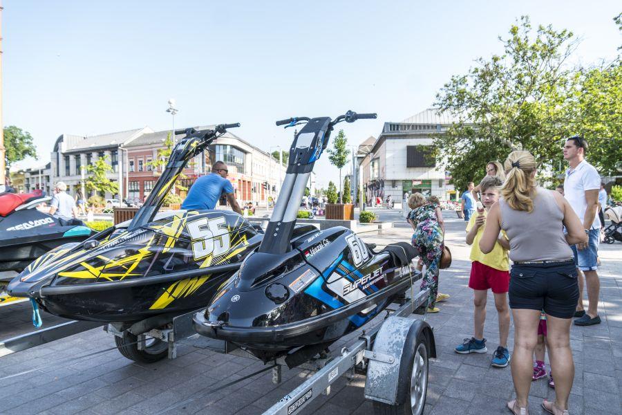 Jet Ski Eb megnyitó a Kossuth téren